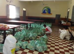 Einige von rund 2400 gepackten Säcken.