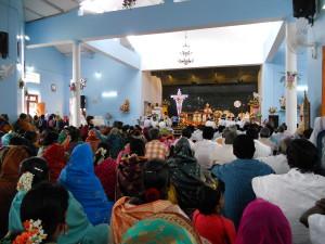 Gottesdienst in der St. Anthony's Church zum Pfarrfest mit dem Bischof aus Mysore